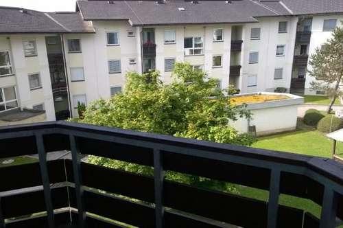 Gepflegte 2-Zimmer-Wohnung inkl. Balkon und Carport - mitten in Kraig