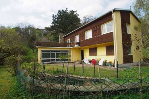 16.000qm Grundstück mit Haupthaus und Nebenhaus