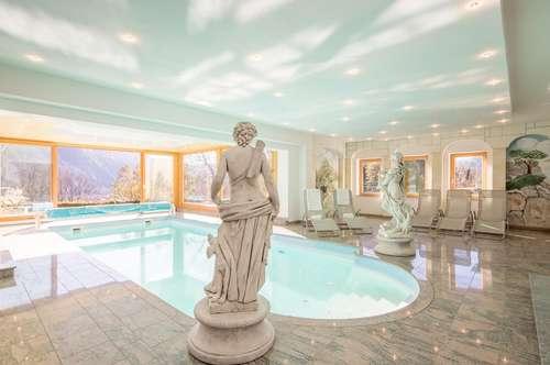 Reizende Villa mit Hallenbad