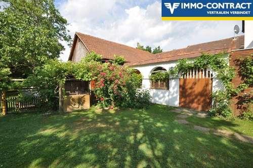 Erhöhte Traumlage - Gelebte Alleinlage im Innenhof - Ehemaliger schöner Hof - Kernsaniert und ausgebaut - Mit Wald und Gärten