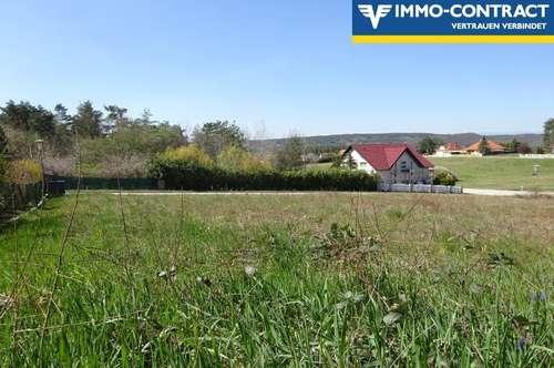 Idyllisch eingebettet in die Natur, liegt dieser Baugrund am sonnigen Dorfrand - Erweiterbar!
