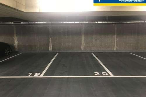 Garagenplatz Parkplatz verkehrsgünstig angebunden ab 1.5.19