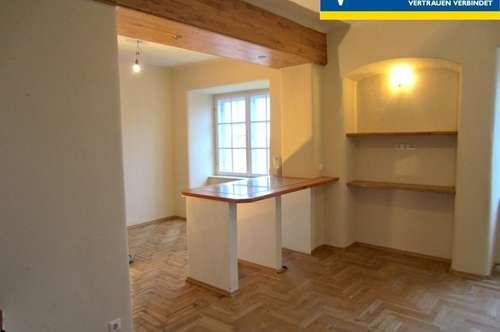 Historischer Charme - Doppelhaushälfte mit zwei Wohneinheiten -