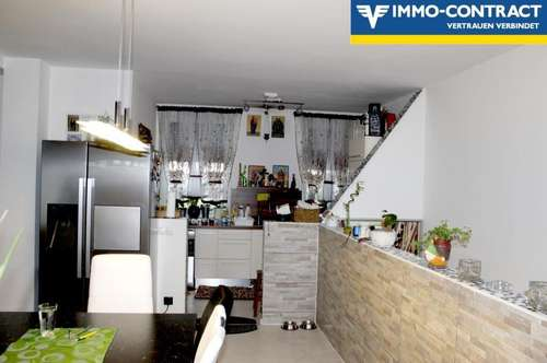 Doppelhaushälfte mit Wohnungs Scharm