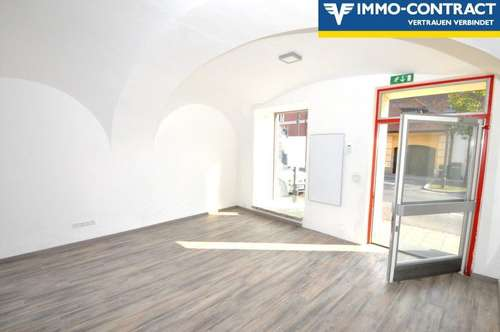 Großzügige, helle Büroräume mit Gewölbeflair und Schaufenster