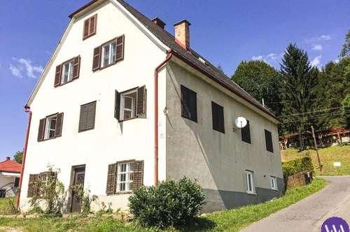 Wohnhaus mit 2 Wohneinheiten in zentraler Lage Nähe Bad Gleichenberg ...!