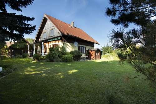 Schönes Einfamilienhaus mit gepflegtem Garten