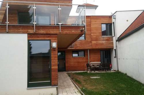 Provisionsfrei - Großzügige 105 m² Hauptmietwohnung im Doppelhaus mit Sonnenterrassen im Orstkern
