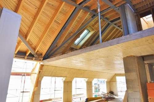 Extravagant + Stylisch + Lichtdurchflutet! Ihre Nachbarn werden Sie beneiden! Wohnen mit WOW-Effekt im Dachgeschoss!