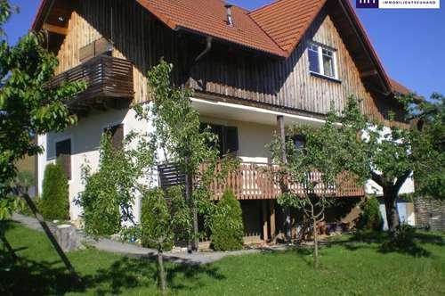 ITH HAUSHÄLFTE mit EIGENGARTEN! Helle gut eingeteilte Wohnung im 1. OG in St. Peter am Ottersbach im schönen VULKANLAND!