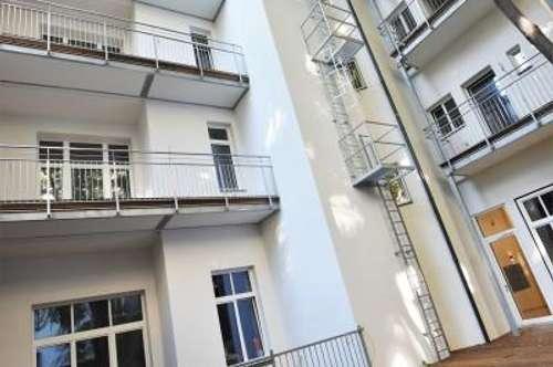 Traumhafte Fassade + Hochwertig sanierte Altbauwohnung + Ideale Infrastruktur und Anbindung! Hofseitiger Balkon in den ruhigen Innenhof!