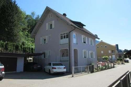 Mehrfamilienhaus mit 4 Wohnungen, Garagen, Carport in Feldkirch/Tisis!