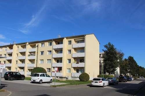 Familien aufgepasst: Wunderschöne 3 Zimmerwohnung mit West-Balkon in ruhiger Lage am grünen Ortsrand - provisionsfrei!