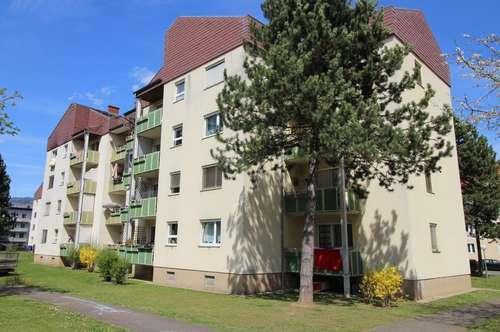 Sonnige Erdgeschoss-Wohnung mit Küche & Balkon in traumhafter Grünlage - provisionsfrei!