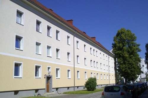 Preiswerte, gemütliche 3 Zimmerwohnung im Erdgeschoss mit Küche - zentrumsnahe, sonnige Siedlungslage