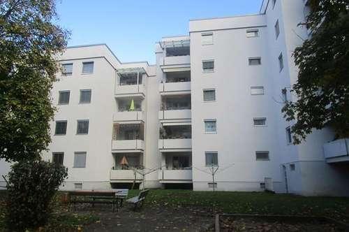 Leistbare geräumige Familienwohnung im 1. OG mit Aufzug und Balkon, saniertes Haus - naturnahe sichere Umgebung mit ausgewählter Nachbarschaft!