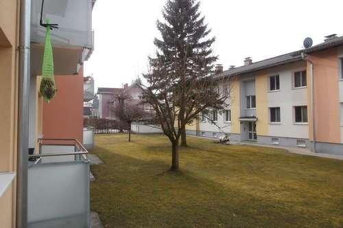 Großzügiger Familienwohn(t)raum mit 2 Kinderzimmern und XL-Balkon! Umgeben von Grünflächen und einer optimalen Infrastruktur! Provisionsfrei!