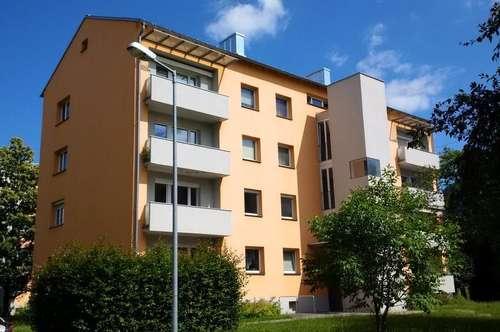 Sonnige 3 Zimmerwohnung mit Küche, Balkon, Lift, in familienfreundlicher, gepflegter Lage - provisionsfrei!