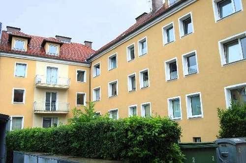 Garantiert bestes Preis-/Leistungsverhältnis u. der unbezahlbare Vorteil ausgewählter Nachbarschaft! 2-Raum-Whg. in zentraler Lage!