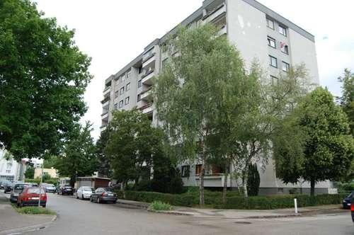Urbanes Wohnen im pulsierenden Grossraum Linz in dennoch naturnaher grüner Umgebung! 2 Kinderzimmer u. eine Loggia ermöglichen qualitatives XL-Wohnen!