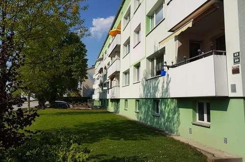 Qualitätsvolles Wohnen mit viel Raum: Preiswerte XXL-4-Raum-Wohnung mit Loggia! Naturnahe Lage am Inn dennoch nahe dem Stadtzentrum Schärding!