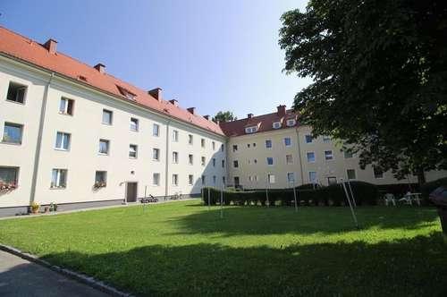 Provisionsfrei: 54 m² Singlewohnung mit neuwertigem Bad -  in sonniger & zentraler Lage