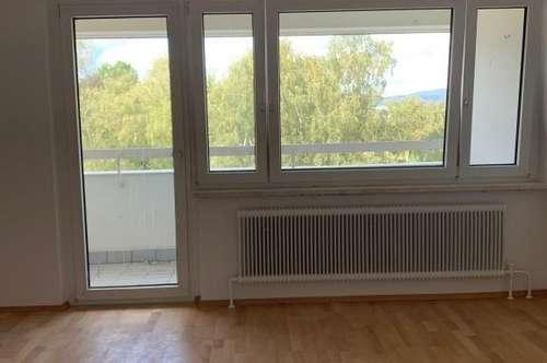 TOP WOHNUNG - schöne 3-Zimmer-Wohnung mit Lift & Loggia in zentraler Lage mit perfekten Verkehrsanbindungen! Provisionsfrei