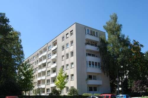 3-Zimmer-Wohn(t)raum mit umwerfender Loggia in Bestlage mit Top-Infrastruktur! Wohnen im Grünen garantiert Erholung pur! Provisionsfrei!