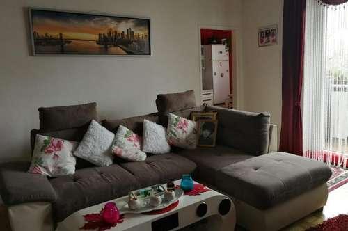 Neues Zuhause für Sie und Ihre Familie! Großzügige 3-Raum-Wohnung in Toplage - inkl. Loggia mit Blick ins Grüne! Provisionsfrei!