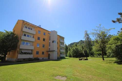 Erstbezug nach Generalsanierung: 3 Zimmerwohnung mit Sonnen-Balkon - familienfreundlich im Grünen