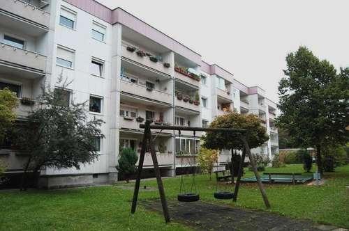 Traumhafte Grünlage! Praktische 3-Raum Wohnung im beliebten Wohngebiet Spallerhof mit bestem Preis-/Leistungsverhältnis - Loggia - Nähe Wasserwald