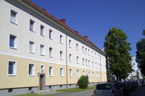 Komplett neu sanierte, helle  69 m² Wohnung in sonniger Siedlungslage - provisionsfrei!