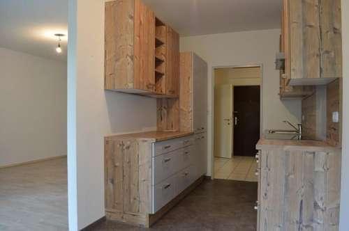 Spitzenwohnung mit neuwertiger Küche und Balkon in Ternitz!