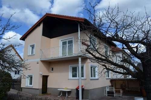 Einfamilienhaus mit großzügigem Garten, Doppelgarage und Pool in Würflach!
