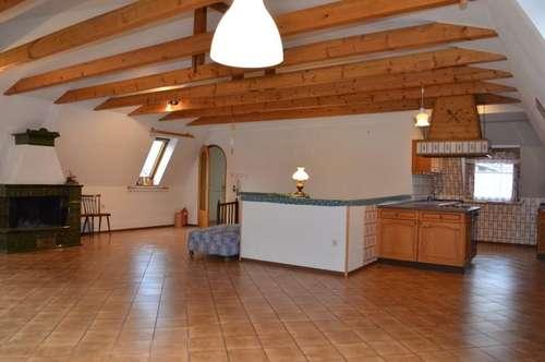 Wunderschöne Eigentumswohnung mit 152 m² und Gartenanteil in Edlitz zu verkaufen!