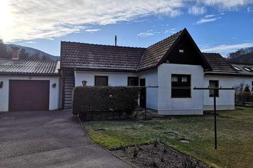 Einfamilienhaus für zwei Leute mit Garten in einer herrlichen Gegend in Gloggnitz!