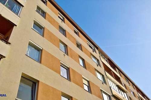 Tolle Aussichten – 4. Stock mit Lift – 2 Zimmer