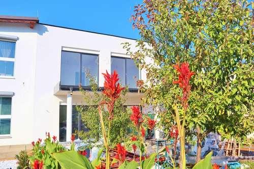 ERSTBEZUG – top modernes Haus in absoluter Ruhelage