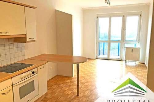 Perfekt für Singles! 1,5 Zimmerwohnung mit Küche und Balkon (hofseitig)! TG-Platz möglich!