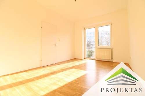 Neu sanierte & helle 3 Zimmerwohnung mit Balkon - Nähe Andreas Hofer Platz
