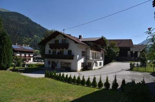 Großes Wohnhaus - Appartmenthaus bei Winklern