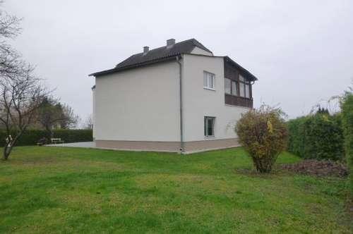 Generalsaniertes Mehrfamilienhaus mit sonnigem Garten, Terrassen und Garage