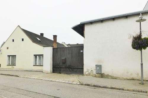 Ehemalige Landwirtschaft mit Stallgebäude, Lager und Gerätehalle in Bad Erlach