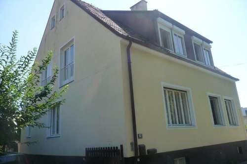 -Wiener Neustadt- Stark sanierungsbedürftiges Haus in sehr attraktiver Lage