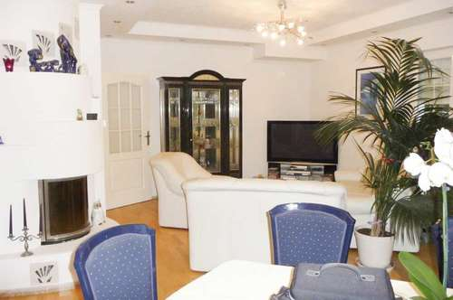 Luxuriöses Baumeisterhaus in Ruhelage