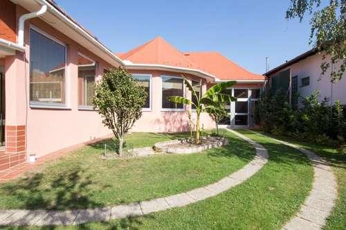 +Liebevolles Haus zum WOHLFÜHLEN mit wunderschönem Garten, Gewächshaus, Scheune, in sensationeller Lage, direkt neben Oberpullendorf ! +