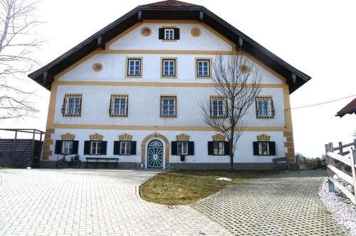 Salzburg Eugendorf: Wohnen und Arbeiten auf  522 m² Wohnfläche