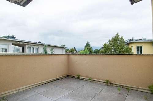 Teilsanierte 2-Zimmer-Wohnung mit Terrasse im Nonntal