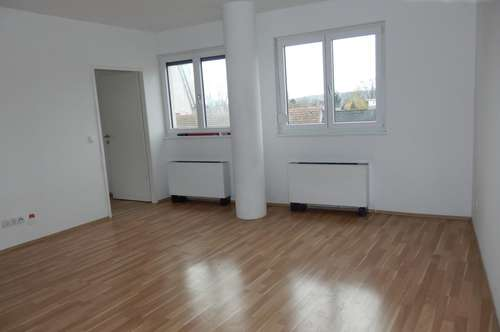 Sonnige Eck-Wohnung, 2 Zimmer Neubau
