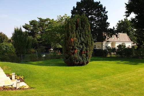 ERSTBEZUG - Haus mit Garten Terrassen und Garage in Grünruhelage